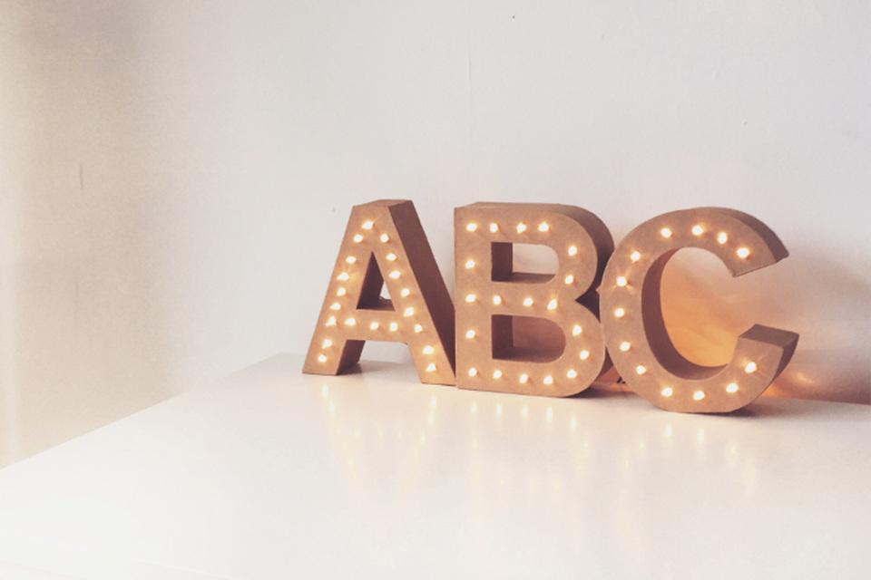 Lichtgevende letters die je zelf kunt maken!