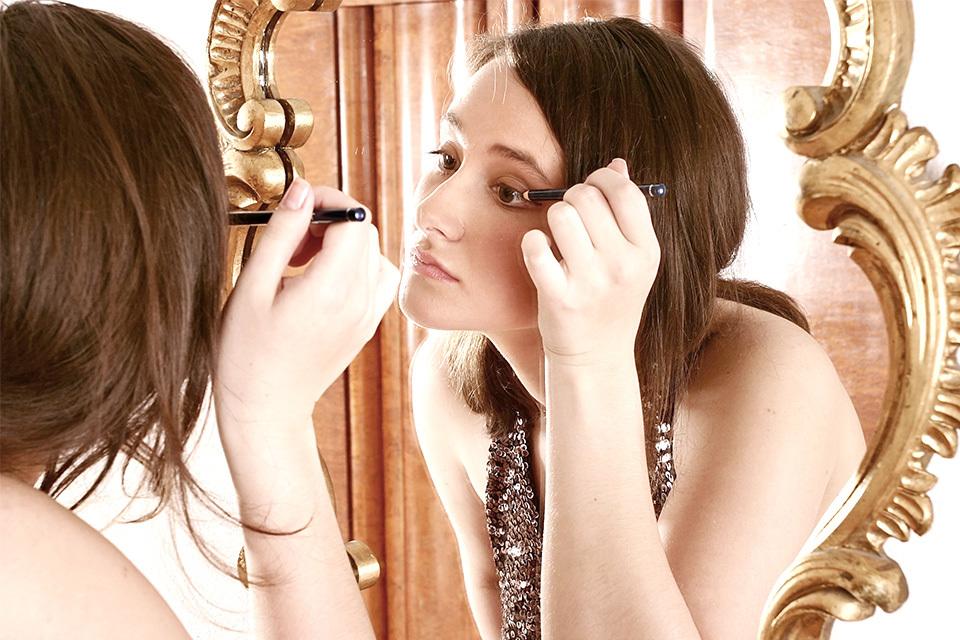 Eyeliner aanbrengen - Het is niet zo moeilijk als het lijkt