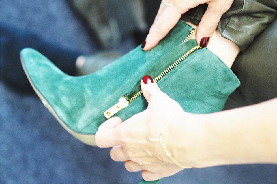 Suede schoenen schoonmaken groene zeep